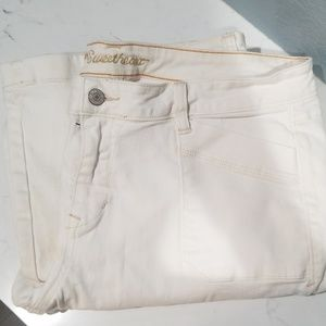 Old Navy sweetheart jeans white
